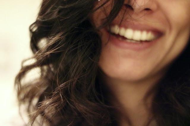 f7708 smile 2607299 960 720 - 11 redenen om Arganolie toe te voegen aan je beautyroutine + alles over de Arganwinkel